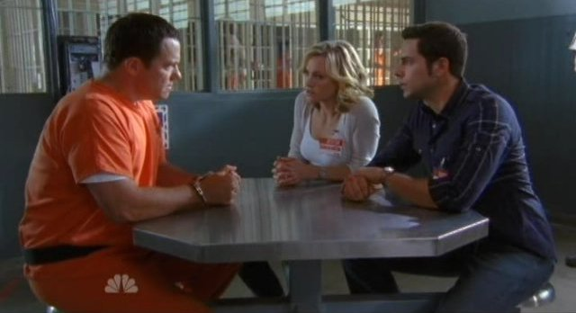 Chuck S5x05 - Casey meets with Sarah ands Chuck in prison