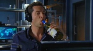 Chuck S5x05 - Chuck settles down to crack the code