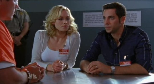 Chuck S5x05 - Sarah and Chuck tell Casey about their plans