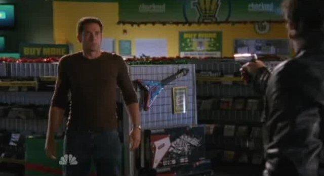 Chuck S5x07 - Shaw has Chuck at gunpoint