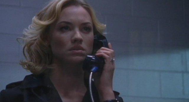 Chuck S5x08 - Sarah on phone with Shaw about the baby