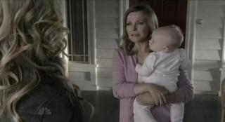 Chuck S5x08 - Cheryl Ladd as Mom takes the little waif