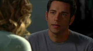 Chuck S5x08 - Chuck with Sarah at home