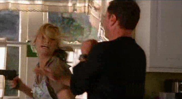 Chuck S5x08 - Sarah fights Ryker