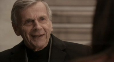 Continuum S1x01 - We learn at the end that William B. Davis is the elder Alec Sandler