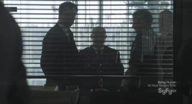Continuum S1x02 - Inspector Dillion calls a meeting in his office