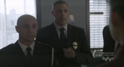 Continuum S1x02 - Inspector Dillon exposes Kiera with help from the Portland Police