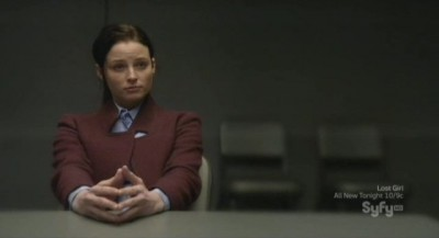 Continuum S1x02 - Kiera is questioned by Carlos