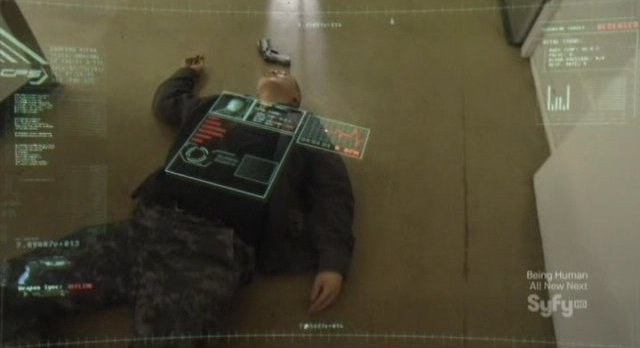 Continuum S1x03 - Curtis is knocked out by Kiera's Protector fail safe