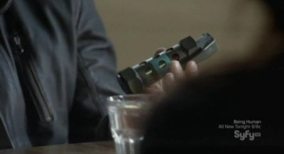 Continuum S1x03 - Kellog has brought a hand grenade as leverage