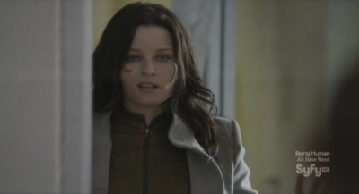 Continuum S1x03 - Kiera smirks knowing Curtis is about to be killed