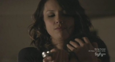 Continuum S1x03 - Sonya extracts the hormone for Travis