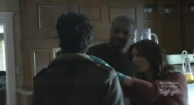 Continuum S1x03 - Travis and Sonya find the tracking tag on Kellog