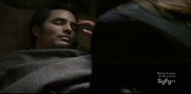 Continuum S1x09 - Family Time - Carlos unconscious