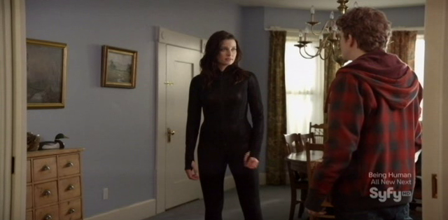 Continuum S1x09 - Family Time - Kiera making a plan with Alec