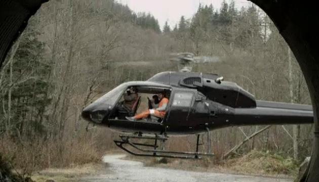 02x02Continuum Travis leaves in chopper