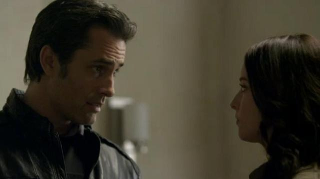 Continuum 2X01 Carlos and Kiera work it out