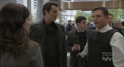 Continuum S1x10 - Carlos and Agent Gardiner confront Kiera