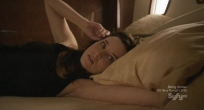 Continuum S1x10 - Kiera wakes up on the yacht after her one night stand with Kellog