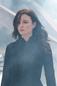 Continuum S1x10 - Rachel Nichols as Kiera - A Wide River of Time to Cross