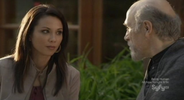 Continuum S1x10 - Sonya and Kagame meet to plan the coming attack