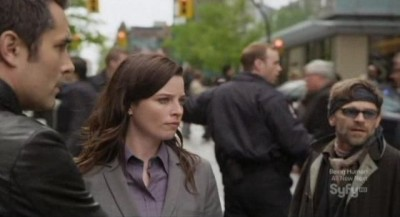 Continuum S1x10 - The building is safely evacuated