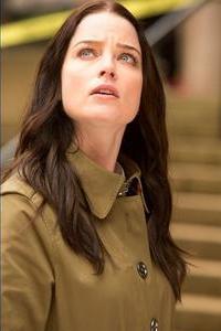 Continuum S2x01 - Kiera Cameron portrayed by Rachelle Nichols looks up - Image courtesy Showcase