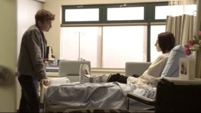 Continuum S2x03 - Alec visits one of the victims
