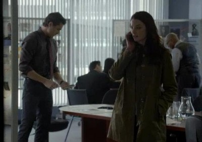 Continuum S2X04Kiera gets call from someone not sec 6