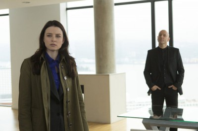 Continuum - S2x06 - Kiera knows the case from 2077