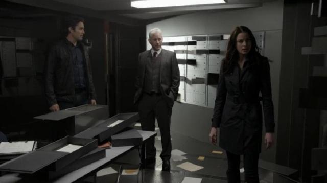 ContinuumS03X03 Kiera and Carlos investigate the vault