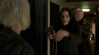 ContinuumS03X03 Kiera gets surprised by bad guy