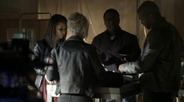 ContinuumS03X03 Travis, Garza, Sonya and Lucas have a discovery