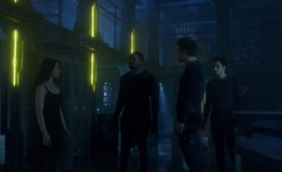 Dark Matter S1x01 Two instructs the crew to explore The Raza