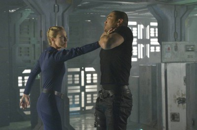 Dark Matter S1x01 The Android kicks the tar out of the crew!