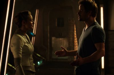 Dark Matter S3x04 Android teaches Three some French