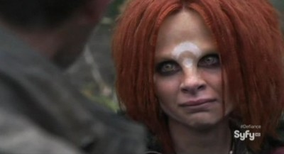 Defiance S1x01 - Irisa looks tearfully ad Nolan as she prepares to depart