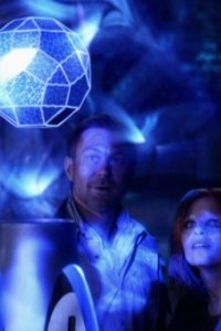 Defiance S1x01 - Nolan and Irisa find the energy sphere
