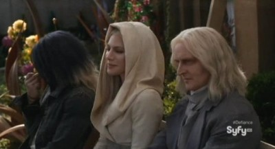 Defiance S1x01 - The Tarr family, Alak, Stahma and Datak