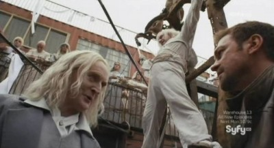 Defiance S1x02 - Datak and Nolan exchanges words