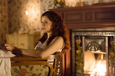Dracula S1x01 - Jessica De Gouw as Mina