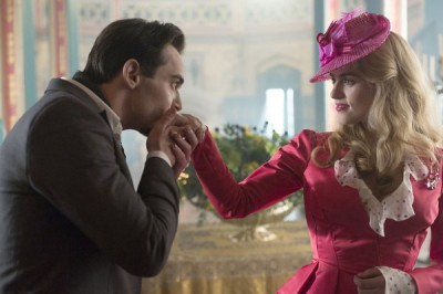 Dracula S1x04 - Jonathan Rhys Meyers as Alexander Grayson, Katie McGrath as Lucy Westenra