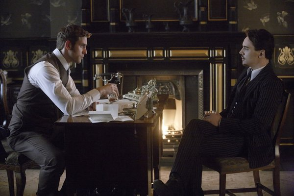 Dracula S1x03 – Harker an Dracula have a drink together