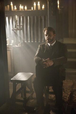 Dracula S1x03 – Abraham Van Helsing thinks it through