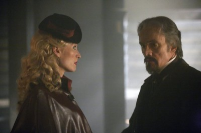 Dracula S1x03 – Lady Jayne Wetherby and Browning have a chat