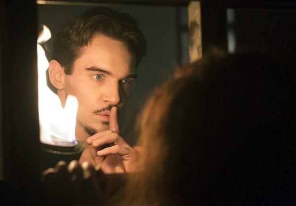 Dracula S1x03 – Shhhhh.... Let's keep it a secret!