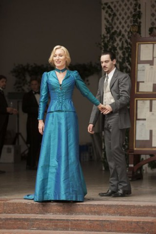 Dracula S1x06 - Lady Jane and Dracula in the sunlight!