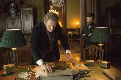 Dracula S1x07 - Harker prepares for the event