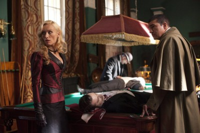 Dracula S1x09 - Lady Jane makes a discovery