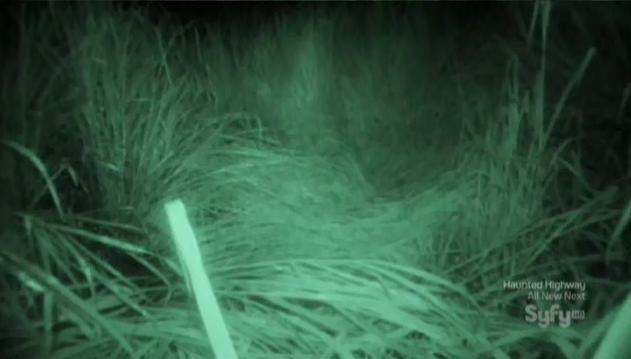 Destination Truth S5x03 bed in grass 19